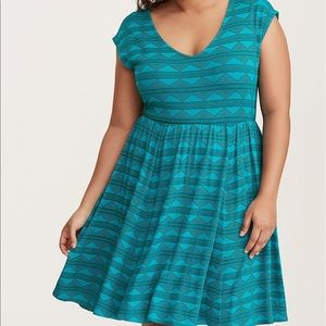 Torrid Teal V Neck Geo Print Skater Dress SZ 0